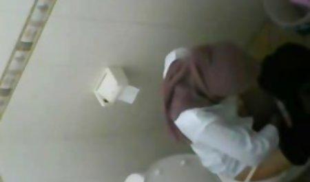 Seks di mp4 bokeb rumah di lantai kamar mandi